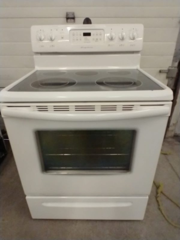 ELECTRICAL STOVE FRIGIDAIRE - Serial Number VF64151869