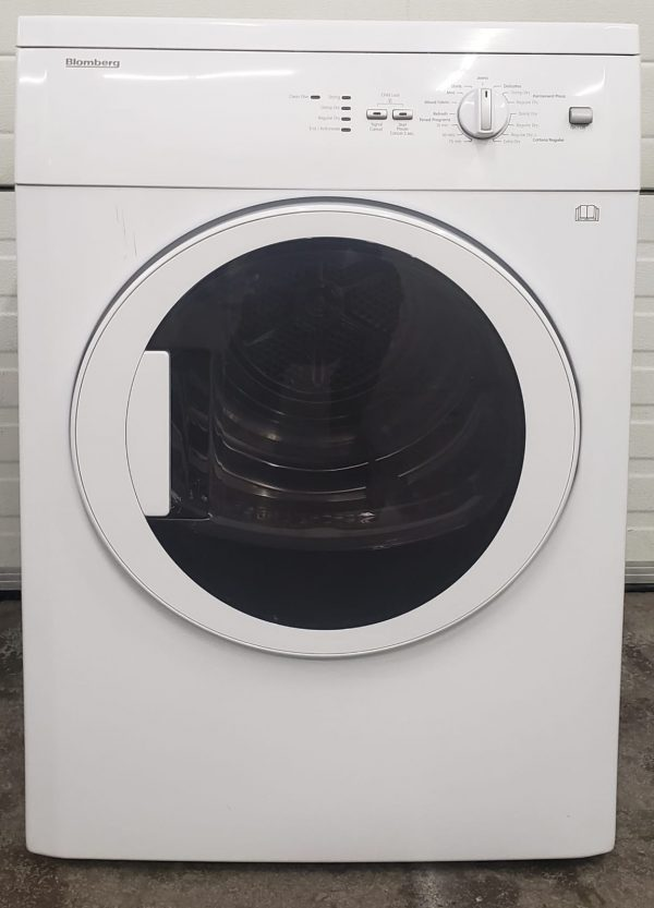 USED ELECTRICAL DRYER - BLOMBERG APARTMENT SIZE DV17542