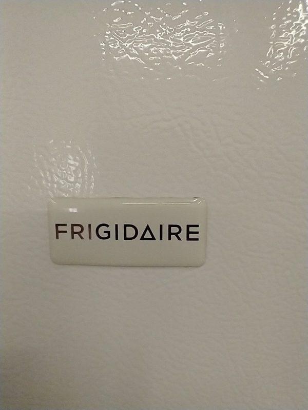 USED REFRIGERATOR - FRIGIDAIRE FFTR1715LWH